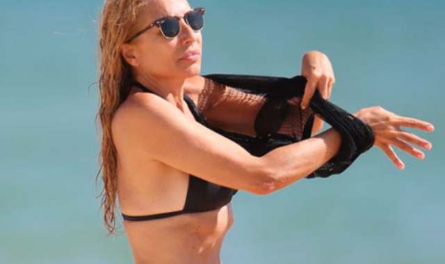 Causa Furor Marta Con Este Sánchez Bikini IbfY7yv6gm