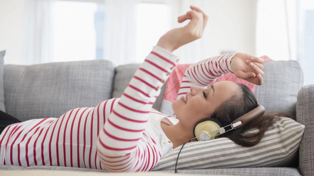 ¿Problemas para dormir? Una buena lista de canciones te ayudará