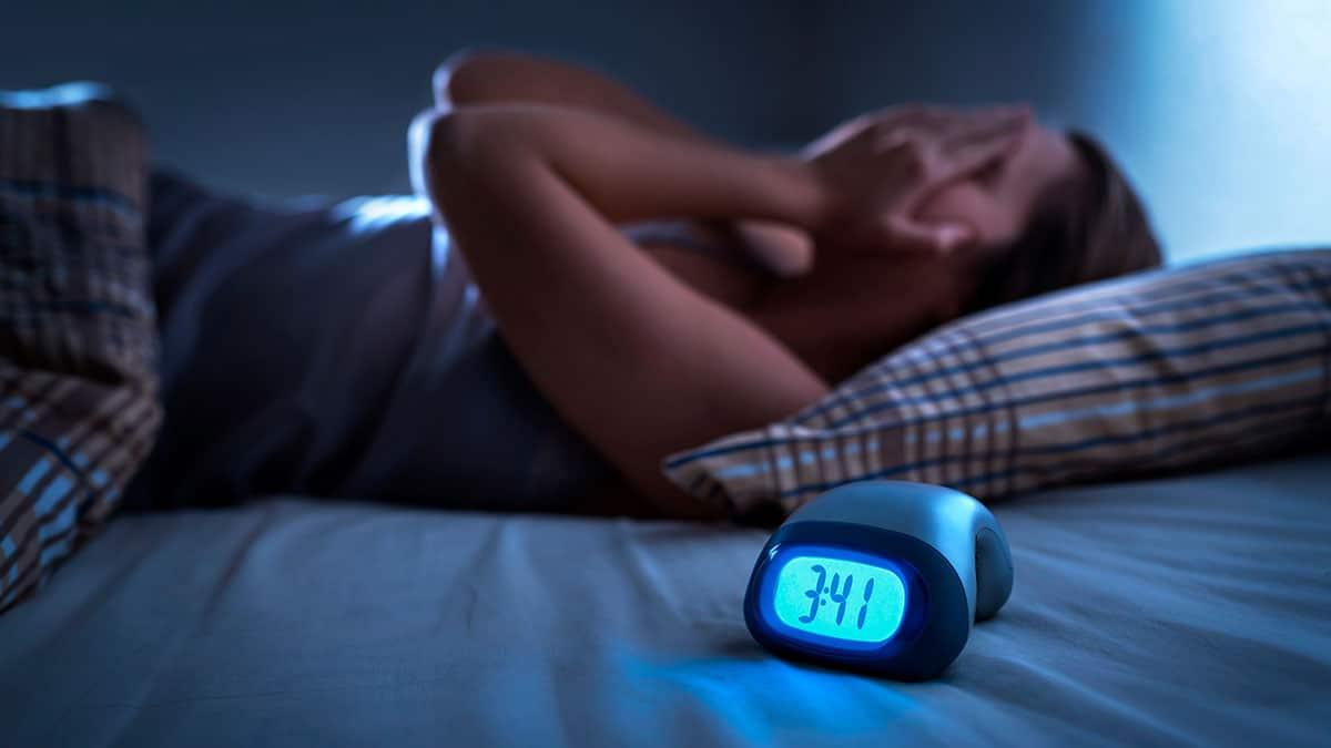 Mantas pesadas: La nueva arma contra el insomnio y el estrés